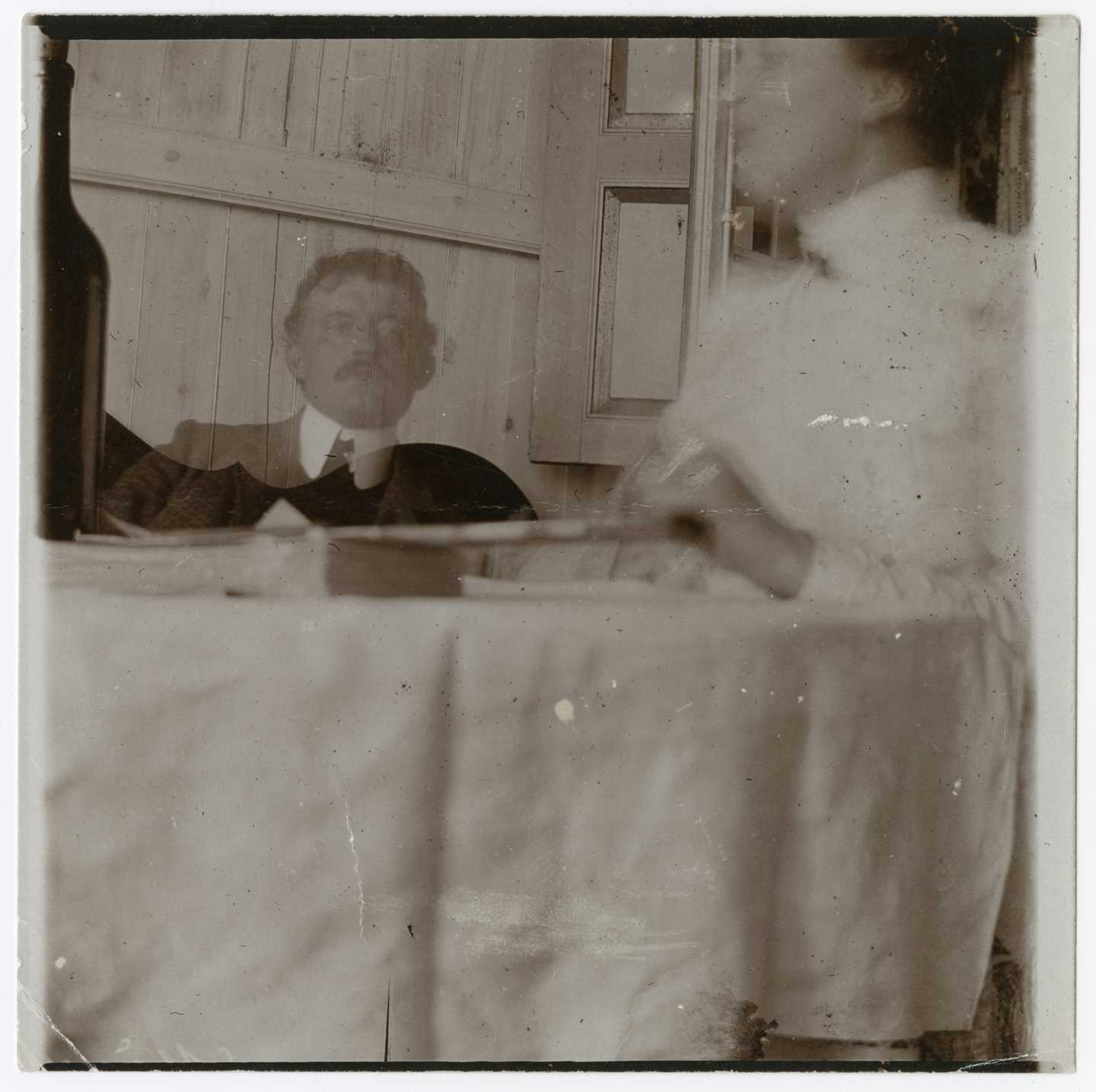 Edvard Munch: Self-Portrait with Housekeeper at 53 Am Strom in Warnemünde. Collodion, 1907. Photo © Munchmuseet